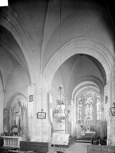 Vue intérieure du choeur et du transept nord
