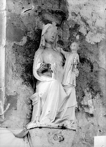 Statue : La Vierge à l'Enfant