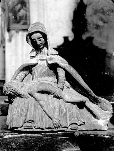 Statue : Vierge de Miséricorde