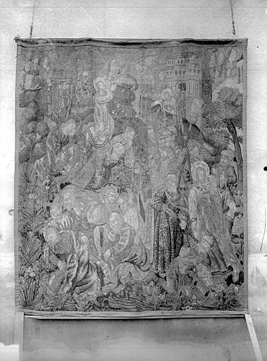 Stèle funéraire de Charles de Soyécourt. Tapisserie de Charles de Soyécourt
