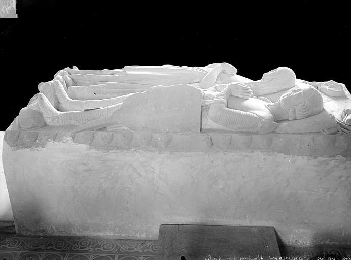 Statues funéraires. Statues funéraires : gisants