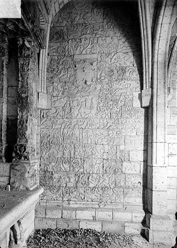Chapelle des Saint-Gelais : Restes des parements