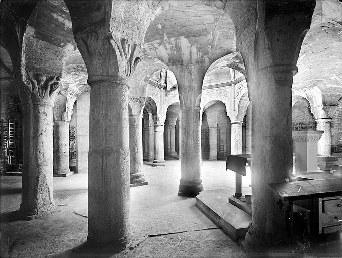 Crypte Saint-Bénigne : vue d'ensemble vers le nord-ouest
