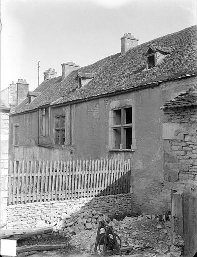 Cellier : façade nord sur cour