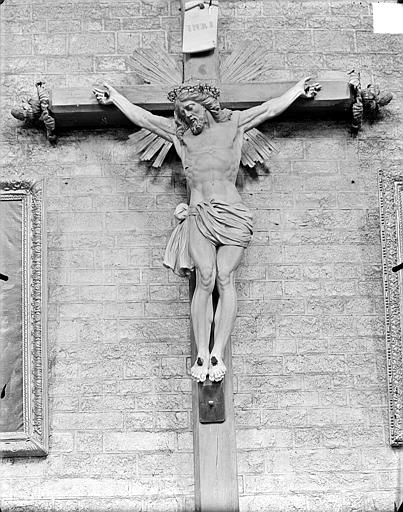 Grand calvaire, le Christ. Grand calvaire : Statue du Christ