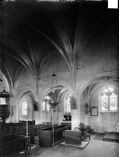 Vue intérieure du choeur et de la nef, vers le nord-ouest