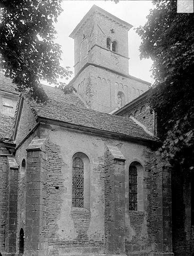 Tour-clocher à la croisée du transept
