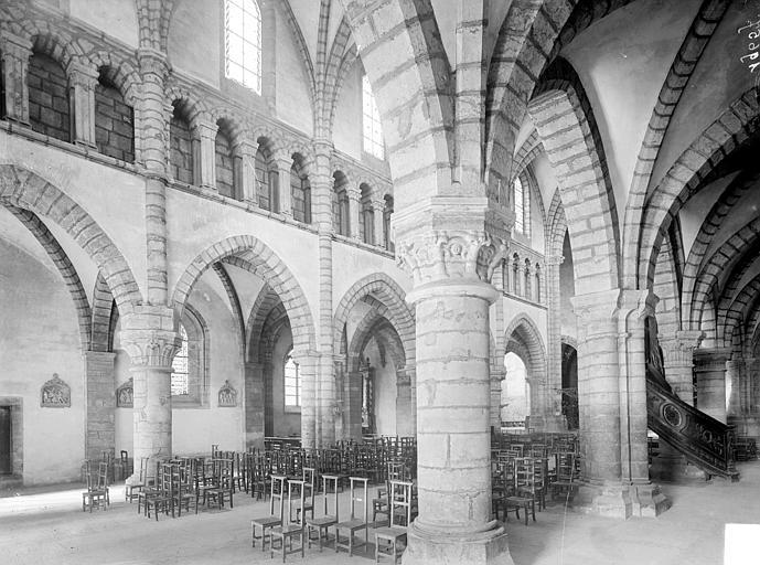 Vue intérieure du bas-côté sud et de la nef