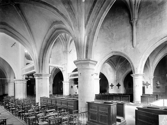Vue intérieure des nefs vers le nord-ouest