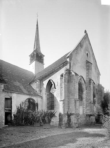 Angle sud-est : Transept, abside et clocher