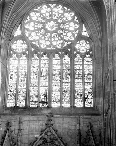 Vitrail du transept sud