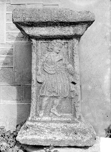 Autel antique. Autel gallo-romain