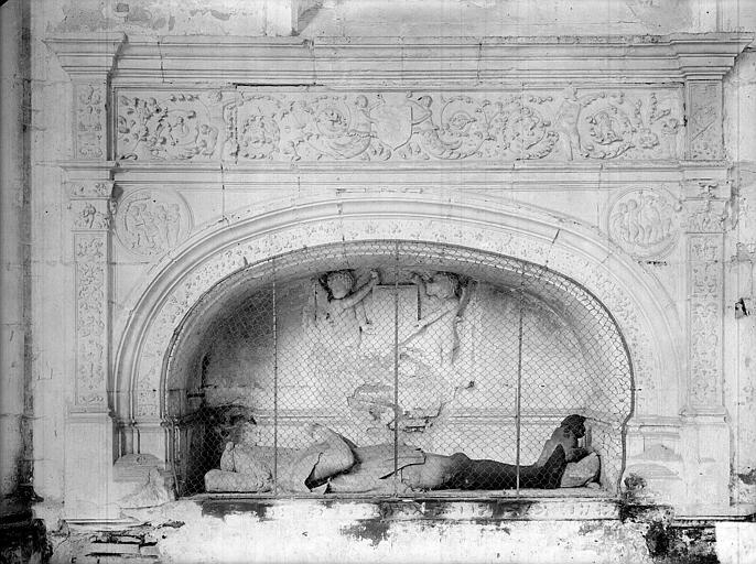 Tombeau sous enfeu de Jean de Vienne, mort en 1435