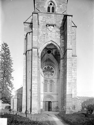 Façade ouest : Partie inférieure de la tour