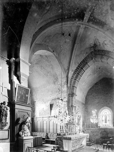 Vue intérieure de la croisée du transept, vers le sud-est