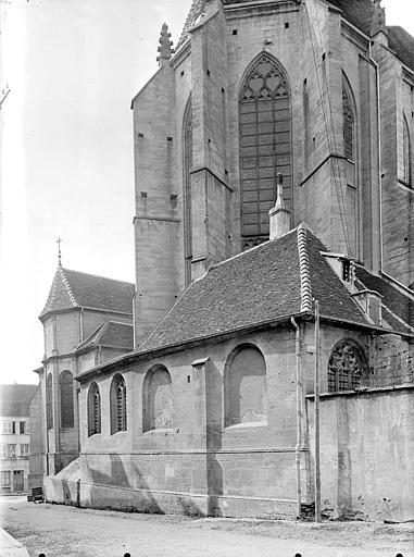 Façade est : abside et sacristie