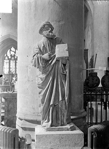 Statue en pierre : Apôtre