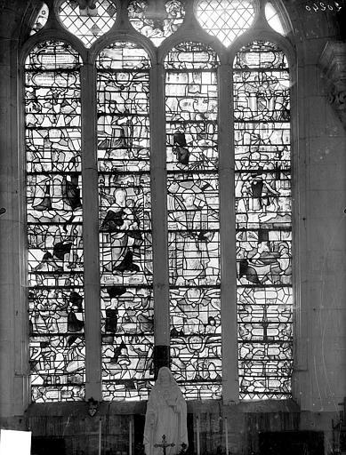2 verrières : La Vie de la Vierge, La Vie de saint Pierre, La Vie de saint Antoine de Padoue, La Vie de saint Eloi, Les Symboles de la Vierge