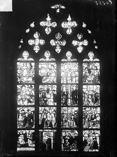 Vitrail de la chapelle nord : Scènes de la vie du Christ