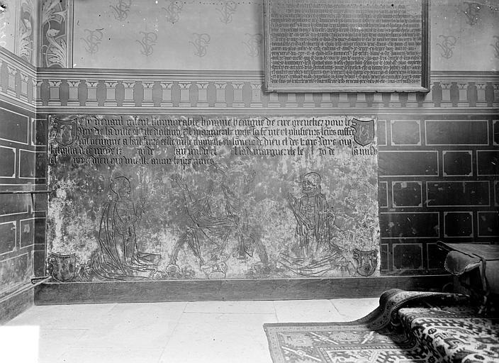 Dalle funéraire de Bénigne de Ciré, grenetier royal de la ville d'Autun, et de Marguerite Gros sa femme