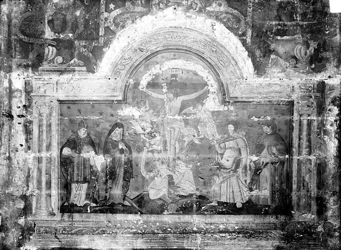 Peinture murale au sud de la nef : Le Christ en croix entre la Vierge et saint Jean