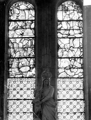 Vitrail de la chapelle absidale nord-est, baie est : La Vie de la Vierge