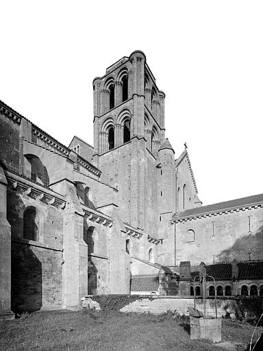 Façade sud : Transept et tour clocher