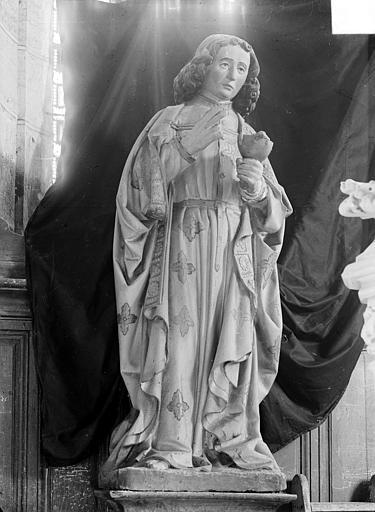 Statue en pierre polychrome : saint Jean l'évangéliste