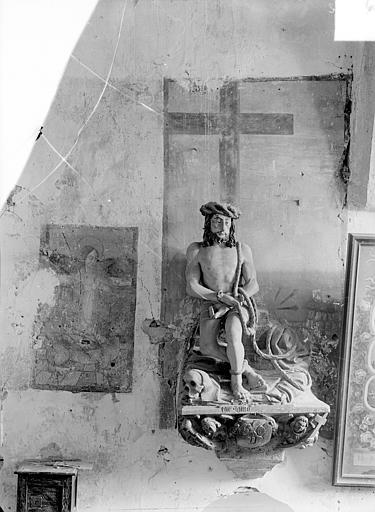 Statue en pierre polychrome : Christ aux liens