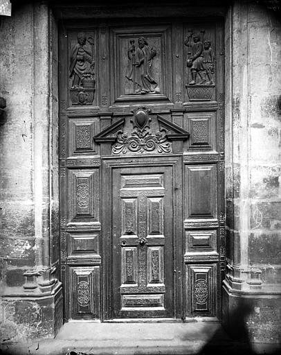 Portail sud de la façade ouest : Porte