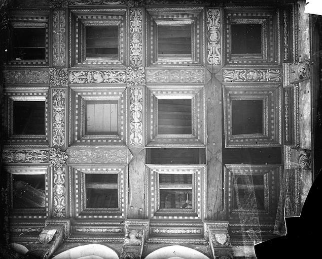Chambre Dorée : Plafond à caissons