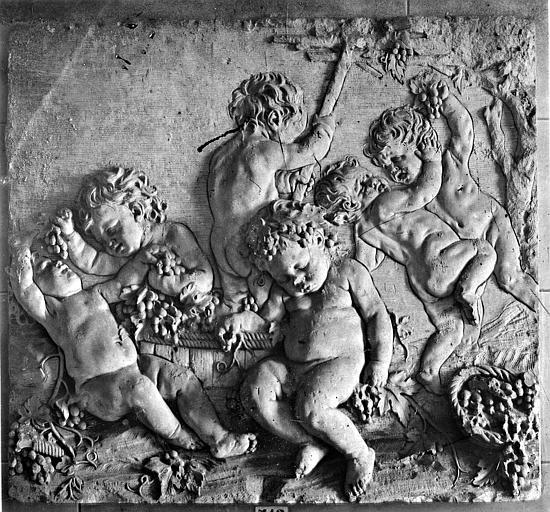 Bas-relief des Saisons : L'Automne