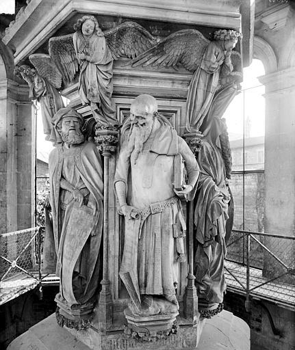 Puits de Moïse : Daniel et Isaïe