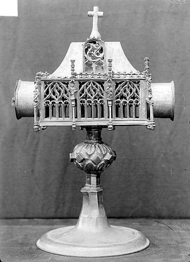 Reliquaire pediculé à cylindre horizontal en cuivre argenté