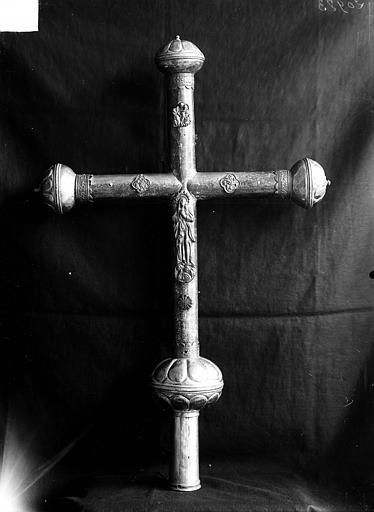 Croix processionnelle en cuivre argenté (revers)