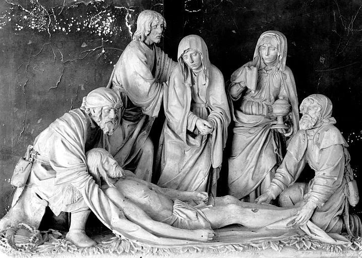 Groupe sculpté en pierre : Mise au Tombeau (groupe principal)