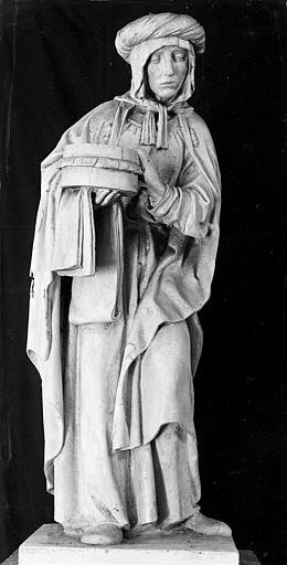 Groupe sculpté en pierre : Mise au Tombeau (sainte femme)