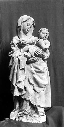 Statue en pierre : La Vierge à l'Enfant