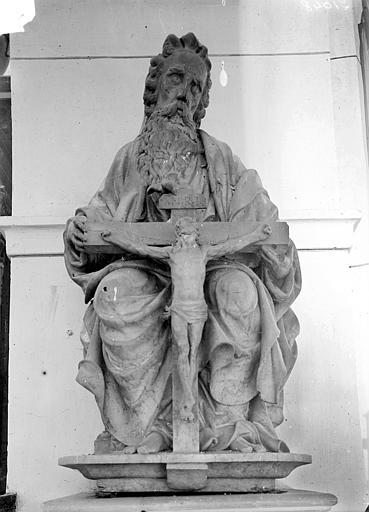 Groupe sculpté en marbre : La Trinité