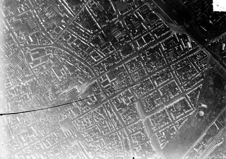 Vue aérienne du quartier de la cathédrale : Vue verticale