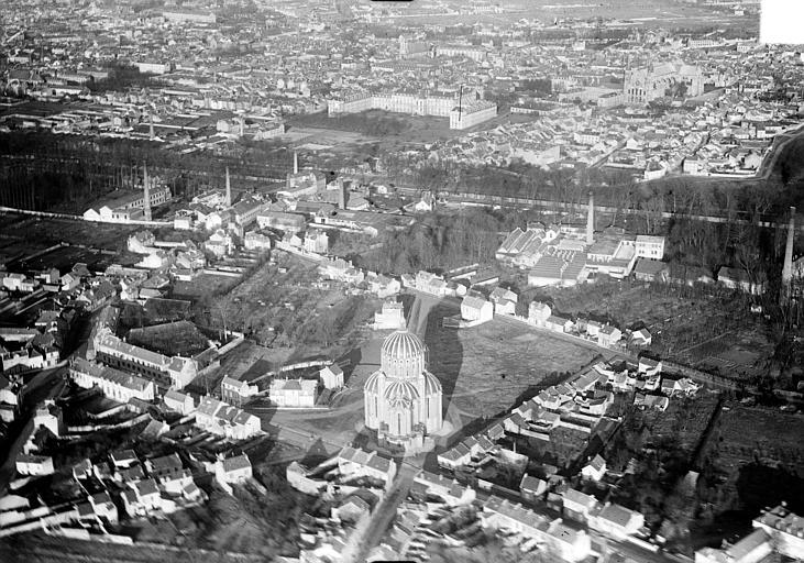Vue aérienne du quartier de la basilique Sainte-Clotilde