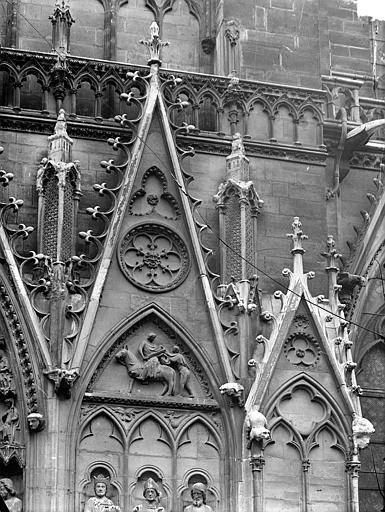 Portail du transept sud, dit portail Saint-Etienne : Gables, côté droit