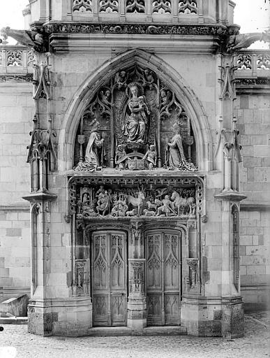 Chapelle Saint-Hubert : Portail de la façade d'entrée