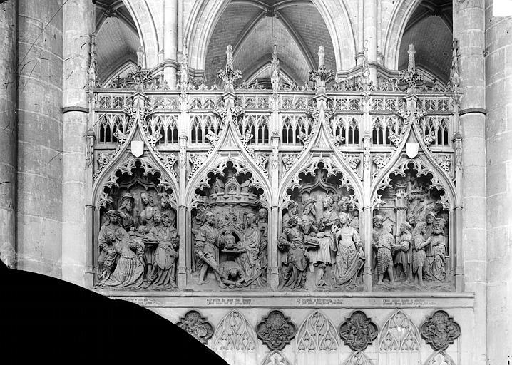 Clôture du choeur, côté nord. Haut-relief : Histoire saint Jean-Baptiste (scènes de son martyre)