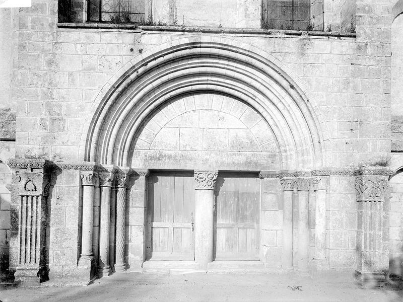 Ancienne abbaye Saint-Pierre, actuellement Centre Hospitalier spécialisé