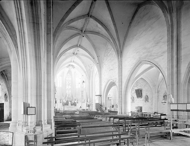 Vue intérieure de nef vers le sud-est