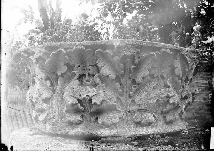 Chapiteaux du cloître déposés