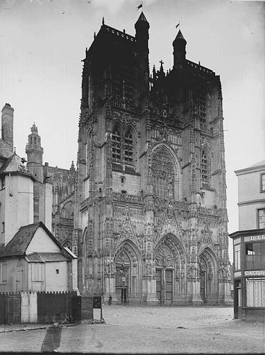 Eglise Saint-Vulfran ou ancienne collégiale