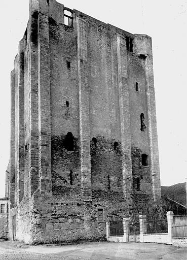 Donjon quadrangulaire, dit Tour de César
