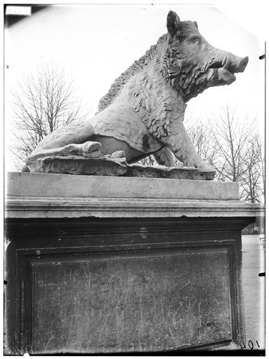 Statue de Sanglier